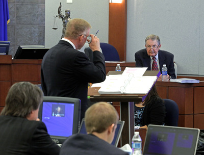 Attorney Robert Eglet questions witness Dr. Richard Colquitt in Las Vegas trial for role of Health Plan of Nevada in largest outbreak of hepatitis C in U.S. history.  (PRNewsFoto/SCM)