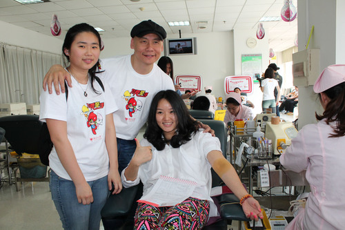 Micky Fung, founder and executive chairman of Touchmedia thanks his employees for giving blood the other day.  ...