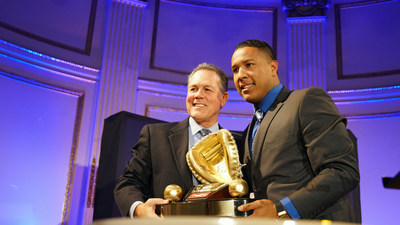 Rawlings Gold Glove Award winning catcher Salvador Perez of the Kansas City Royals(TM) joins presenter Ned Yost at the Rawlings Gold Glove Awards in New York City on November 13, 2015.