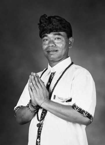 World-renowned energy healer, Made Sumantra, at The St. Regis Abu Dhabi (PRNewsFoto/The St. Regis Abu Dhabi)