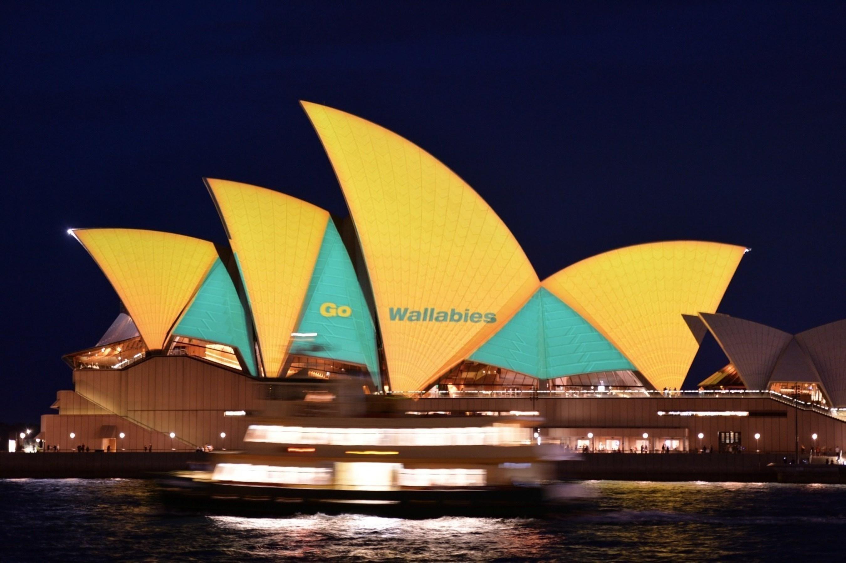 Sydney cheers on the Wallabies_Sydney Opera House_Destination NSW James Morgan (2)