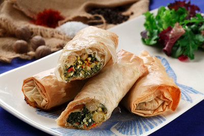 Phyllo Bundles with Saffron-Flavored Chickpeas cocoon a world of tastes found in Greek kitchens. Canola oil binds these flavors and prevents the phyllo sheets from sticking together. (PRNewsFoto/CanolaInfo)