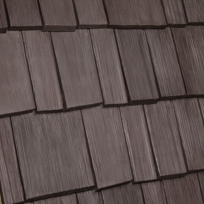 Bellaforte Shake tiles in the EcoBlend style help reflect the sun's harmful rays from the roof of a home, making the house more energy efficient. Photo courtesy of DaVinci Roofscapes.