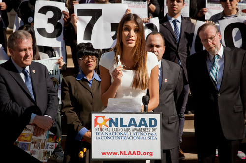Actress/model and Miss Universe 2008 Dayana Mendoza discusses the OraQuick(R) In-Home HIV test at a press conference hosted by Latino Commission on AIDS in recognition of National Latino AIDS Awareness Day. Photo by Ralf Graebner. (PRNewsFoto/Latino Commission on AIDS) (PRNewsFoto/LATINO COMMISSION ON AIDS)