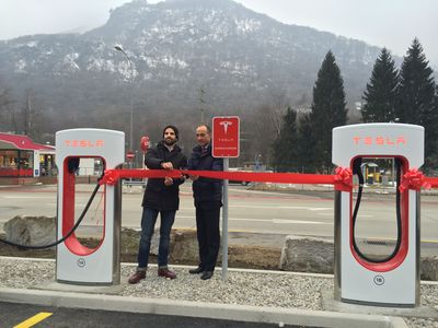Rocco Cattaneo, Director City Carburoil (right) and Amedeo Bottoni, Manager Tesla Store Zurich, officially opened the new Supercharger station at Monte Ceneri. (PRNewsFoto/Tesla Motors Inc)