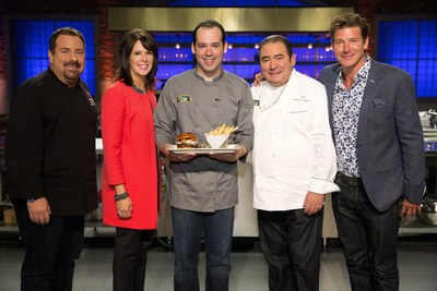 Chili's Senior Director of Culinary Innovation Stephen Bulgarelli and Chief Operating Officer Kelli Valade selected Dan Marks' burger, along with some help from Chef Emeril Lagasse and Host Ty Pennington. (PRNewsFoto/Chili's Grill & Bar)