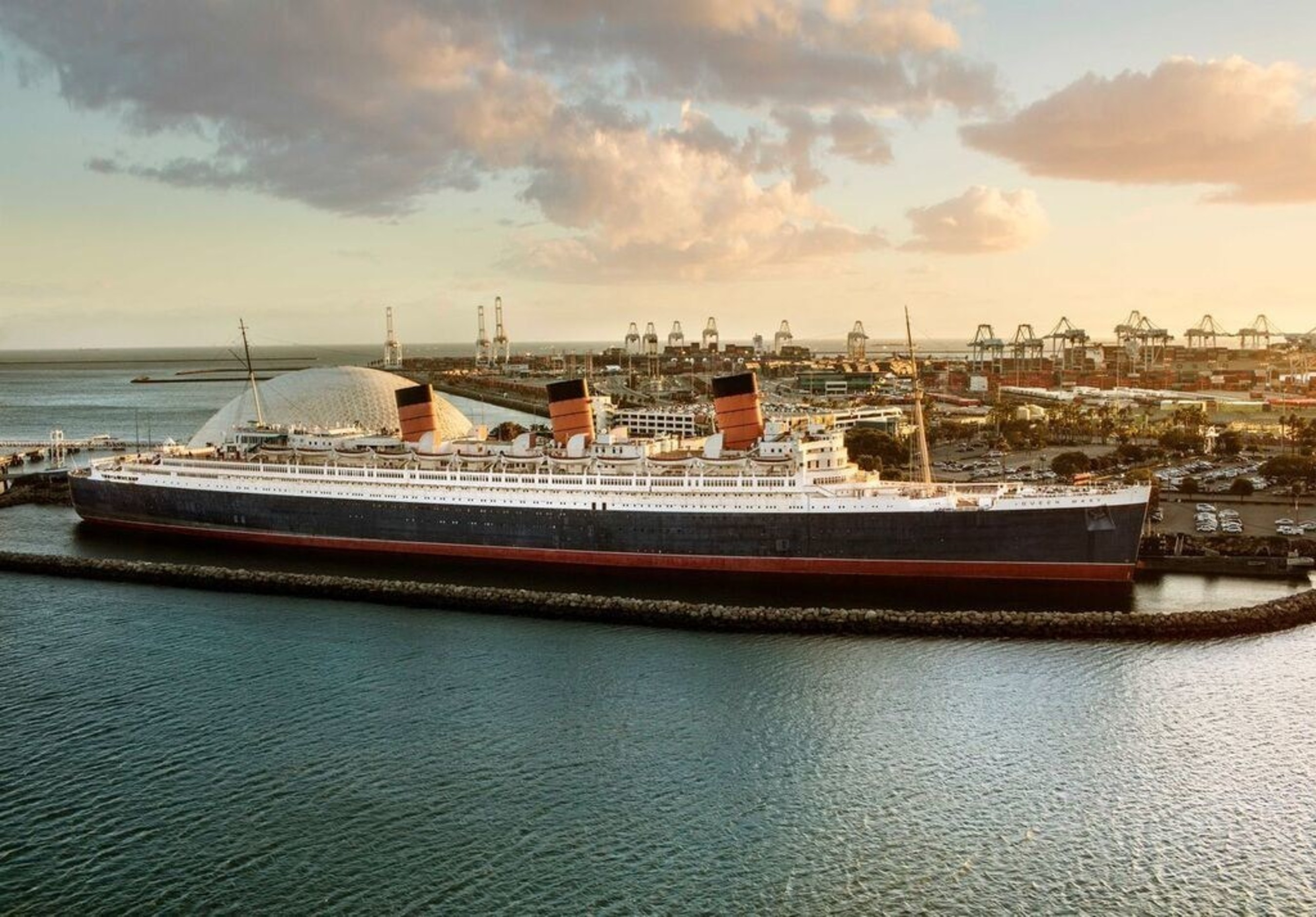 Queen Mary in Long Beach, CA, Courtesy of Allen Kennedy Photography