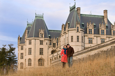 The last-minute scramble to book a Valentine's Day getaway doesn't have to be stressful and expensive.   Asheville's romantic packages and deals include lodging, spas, culinary adventures, eclectic culture and attractions like Biltmore Estate.  (PRNewsFoto/Asheville Convention & Visitors Bureau, ExploreAsheville.com)