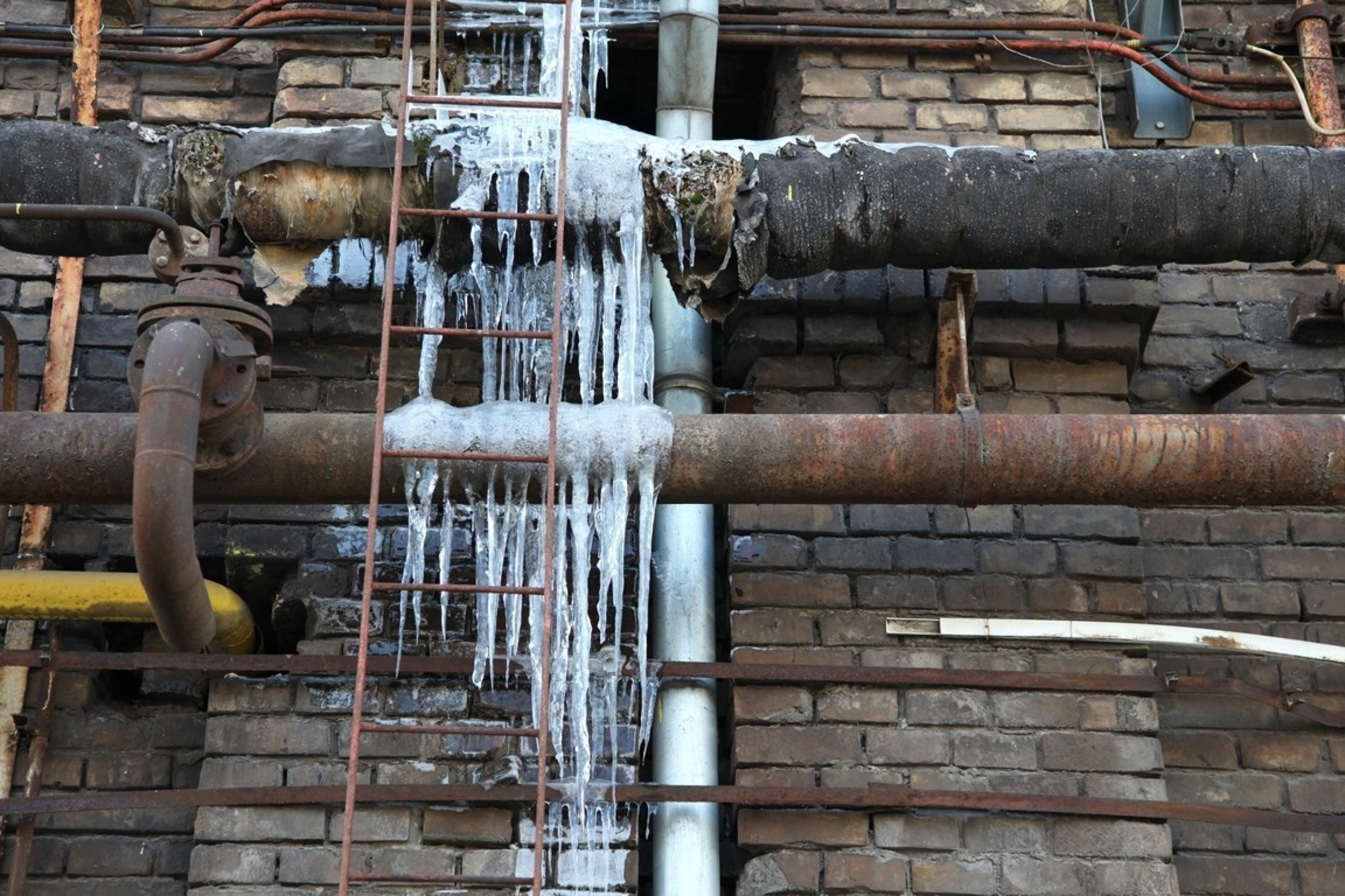 Winter Freeze: Petri Plumbing Offers Advice to Avoid Frozen Pipes