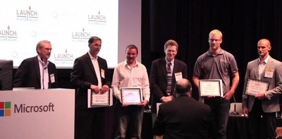 Launch: Silicon Valley award recipients (from left to right): SVForum CEO Chris McGill, OnFarm's Donny Lance, FlashiZ' Daniel Chatelain, E3 Clean Technologies' Kent Shields, Bugcrowd's Casey John Ellis and Algorithms.io's Andy Bartley.  (PRNewsFoto/E3 Clean Technologies)