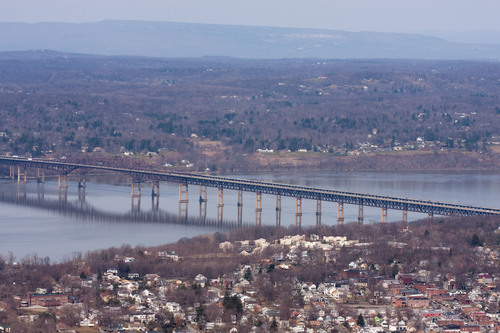 The Newburgh Beacon Bridge spans the Hudson River and connects Beacon and Newburgh, NY. This image must be used in conjunction with the news release with which it was originally distributed.  (PRNewsFoto/L.B. Foster Company, Nancy Kennedy/iStockphoto/Getty Images)