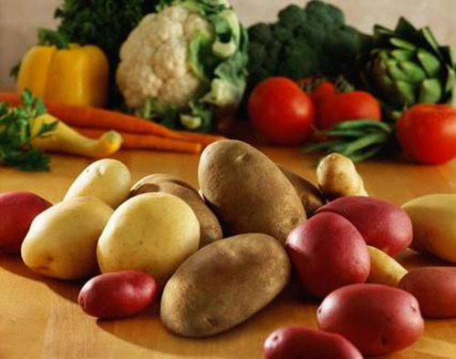 Vegetable Cost Metrics Show That Potatoes and Beans Provide Most Nutrients Per Penny.  (PRNewsFoto/United States Potato Board)