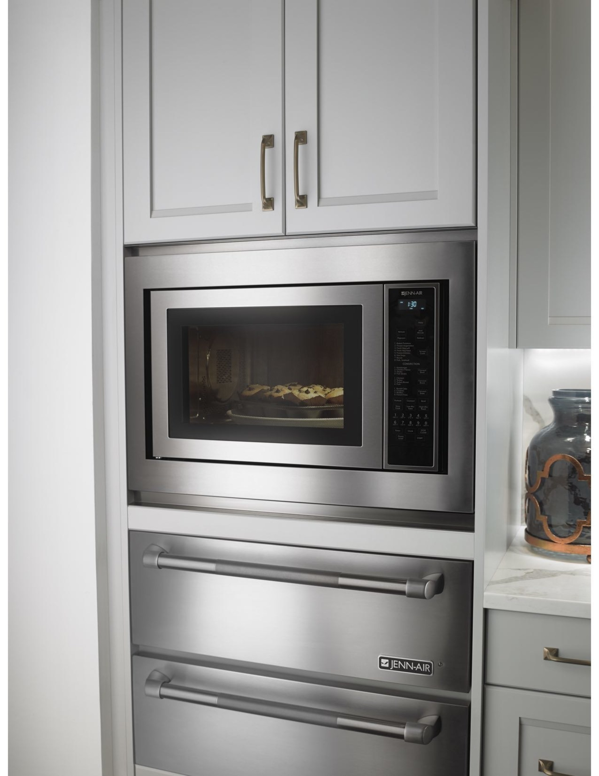 New Jenn-Air(R) Built-In/Countertop Convection Microwave Oven