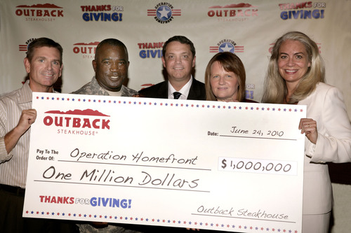 Outback Steakhouse Presents $1 Million Donation in Support of the U.S. Troops Through Operation