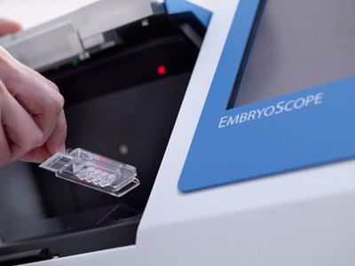 EmbryoSlide®culture dish with the EmbryoScope™ time-lapse system (PRNewsFoto/Unisense FertiliTech A_S)