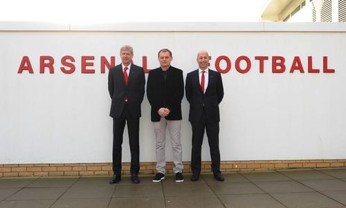 London - 27 January 2014: Bjoern Gulden CEO of PUMA, Ivan Gazidis CEO of Arsenal FC and Arsène Wenger Arsenal FC Manager, confirm a new long term partnership (PRNewsFoto/PUMA)