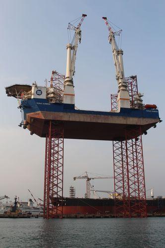 Teras Sunrise jacking trials (Photo: Mr. Ian Tan Kwang Hoii, ASL Shipyard) (PRNewsFoto/Global Maritime Group)
