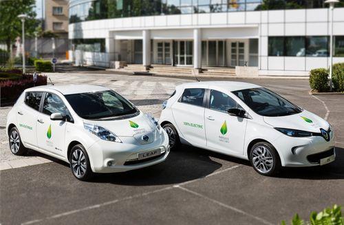 Nissan LEAF & Renault ZOE. Photo credit: Renault-Nissan Alliance. (PRNewsFoto/Renault-Nissan Alliance)