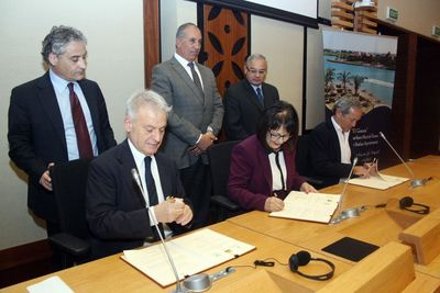 Signing of the Italian Egyptian Agreement for El Gouna to become the first Carbon Neutral touristic destination. Signing From Right to left: Samih Sawiris, Chairman of Orascom Development Holding (El Gouna) , Dr. Laila Iskandar Egyptian Minister of Environment, and Dr. Corrado Clini of the Italian Ministry of Environment.  Witnessing the signing from right to left: Mr. Hisham Zaazou, Egyptian Minister of Tourism, Mr Abdallah, Governor of the Red Sea, and Mr. Massari, Italian Ambassador to Egypt
