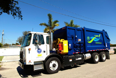 Parker's RunWise Advanced Series Hydraulic Hybrid Drive operating in an Autocar E3 refuse truck.  (PRNewsFoto/Parker Hannifin Corporation)