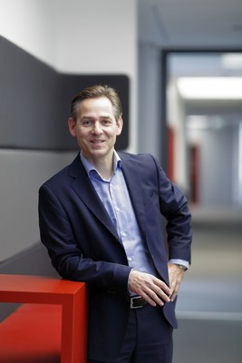 """Friedrich Fleischmann, Chairman of itelligence AG's Supervisory Board: """"With this personnel change, itelligence is successfully combining continuity with its strategic positioning for the future. I would like to congratulate Norbert Rotter on his new position as CEO of itelligence AG."""" (PRNewsFoto/itelligence)"""