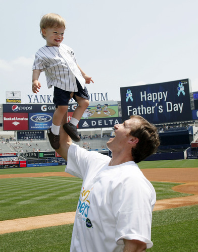 Pampers Celebrates a Sports-Filled Father's Day With Super Bowl XLIV MVP Drew Brees and Family at