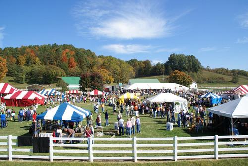 "Bob Evans Celebrates 41 Years ""Down on the Farm"" at Annual Farm Festival.  (PRNewsFoto/Bob Evans Farms,  ..."