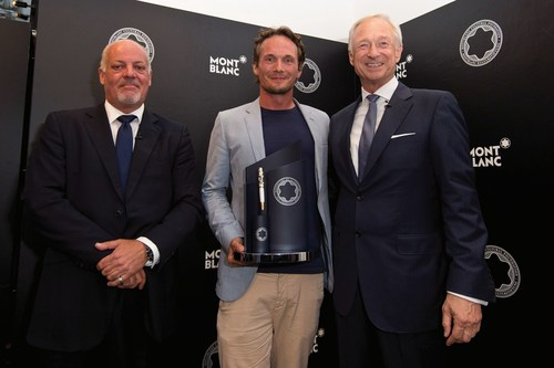 Kevin Boltman Montblanc UK Managing Director Lutz Bethge Chairman of the Montblanc Cultural Foundation present Richard Reed with the 24th Montblanc de la Culture Arts Patronage Award (PRNewsFoto/Montblanc) (PRNewsFoto/Montblanc)