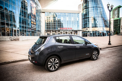 "Nissan LEAF Earns ""Top Safety Pick"" From IIHS.  (PRNewsFoto/Nissan North America, Inc.)"