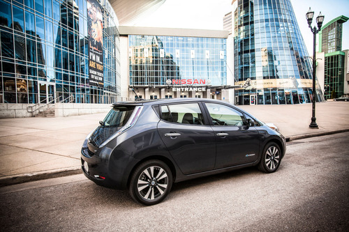 Nissan LEAF Earns 'Top Safety Pick' From IIHS