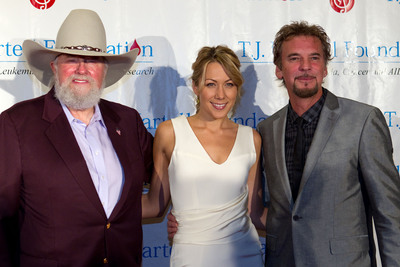 Charlie Daniels, Colbie Caillat and Kenny Loggins performed at the T.J. Martell Foundation's 35th Annual Awards Gala in Manhattan on October 27, 2010. Photo courtesy Steve Prue.  (PRNewsFoto/T.J. Martell Foundation)