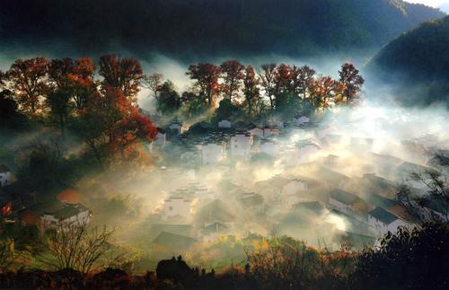 Wuyuan, China's most beautiful countryside, Shicheng county's autumnal scenery.  (PRNewsFoto/Jiangxi Wuyuan Tourism Co., Ltd.)