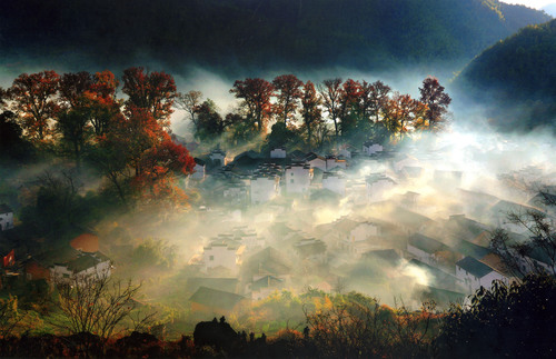 Wuyuan, China's most beautiful countryside, Shicheng county's autumnal scenery. (PRNewsFoto/Jiangxi Wuyuan Tourism Co., Ltd.) (PRNewsFoto/JIANGXI WUYUAN TOURISM CO., LTD.)
