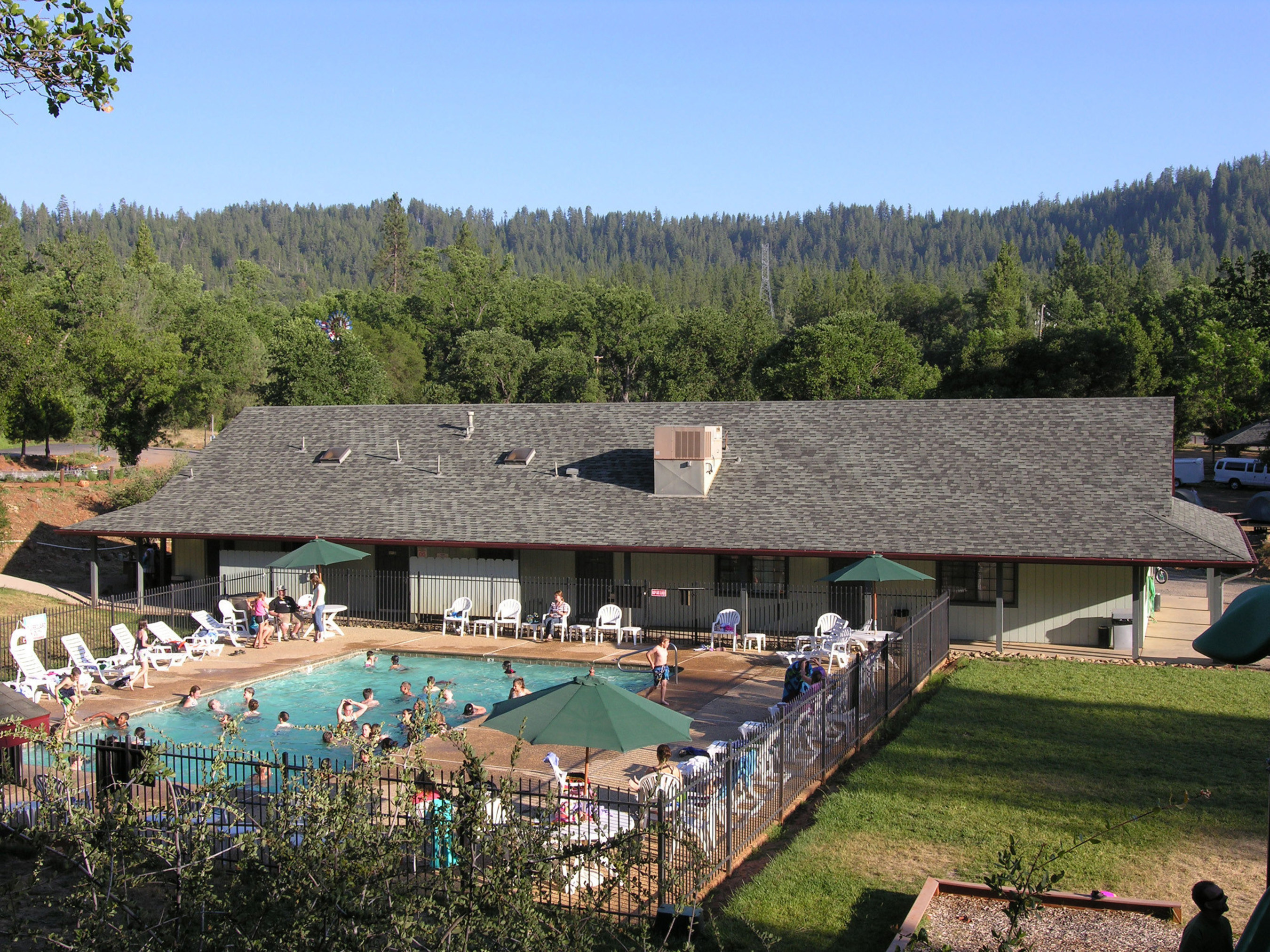The swimming pools at Yosemite Pines RV and Family Lodging is popular with guests after they return from a visit to Yosemite National Park or the Gold Rush Towns (PRNewsFoto/Yosemite Pines RV Resort...)