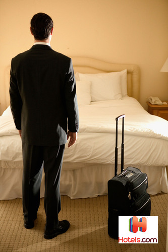Hotels.com releases list of top user-rated airport hotels.  (PRNewsFoto/Hotels.com)