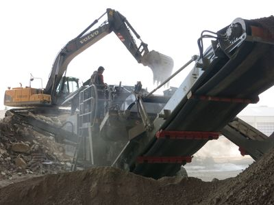 Rockster hybrid crusher in real work - 40% more with 30% less (PRNewsFoto/Visedo Oy)