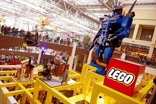 The LEGO® Store Grand Re-Opening at Mall of America®