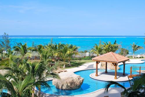 Luxury Condominium, Nassau Bahamas. (PRNewsFoto/Caves Heights Oceanfront Condominiums) (PRNewsFoto/CAVES HEIGHTS OCEANFRONT CONDO)
