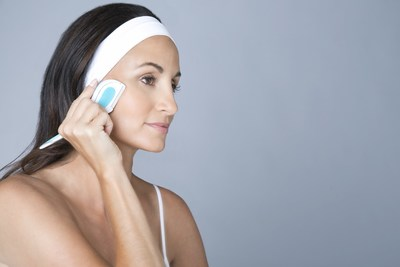 DERMAFLASH(TM) FIRST IN CLASS HANDHELD DEVICE INSPIRED BY DERMAPLANING NOW AVAILABLE FOR USE AT HOME
