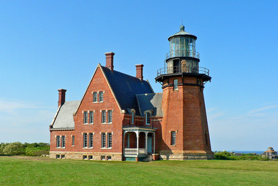 Lands' End launches lighthouse restoration program. Program kicks off by adopting Block Island Southeast Lighthouse as part of a $30,000 donation. (PRNewsFoto/Lands' End)