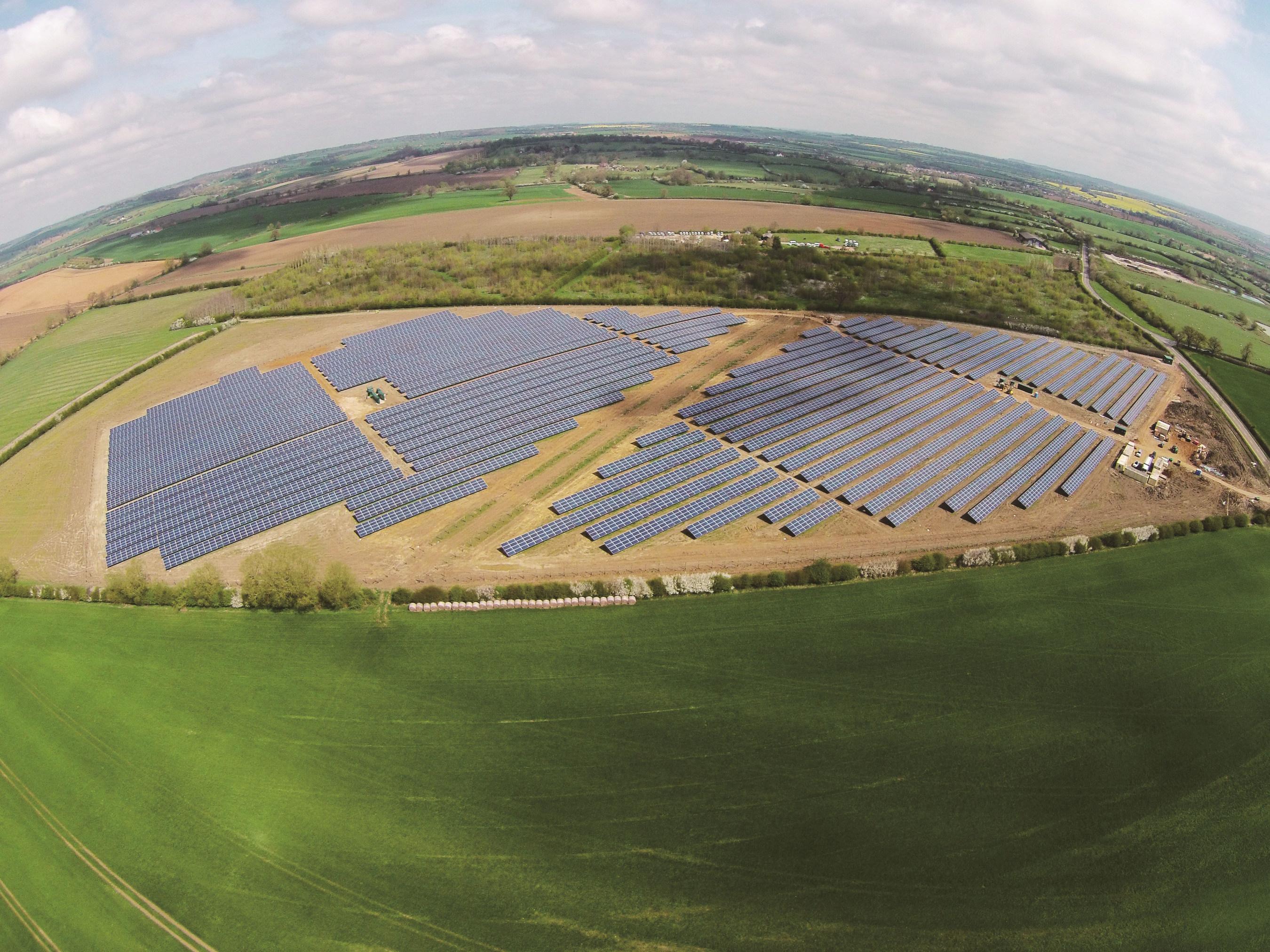 ET Solar raccorde une centrale photovoltaïque de 5 MWc au Royaume-Uni pour Lightsource Renewable
