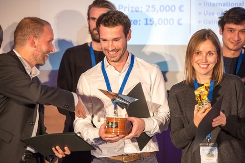 "As part of the pan-European technology competition Idea Challenge 2015, the best start-ups have been awarded in the category ""Smart Energy Systems"" in Berlin. The runner-up David Beijer (left) of Peeeks (Netherlands) congratulated the winner Lukas Bauer (center) of has.to.be (Austria), next to the third-placed Margit Lillemaa of Semu (Estonia). EIT Digital awarded the most innovative start-ups in eight technology categories from October to December 2015. Picture is free of charge for editorial use - please quote the source: EIT Digital. (PRNewsFoto/EIT Digital) (PRNewsFoto/EIT Digital)"