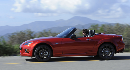 MX-5 25th Anniversary Edition (PRNewsFoto/Mazda North American Operations)