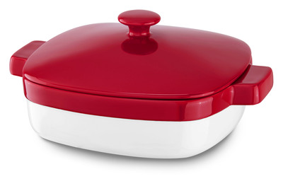 KitchenAid Streamline Ceramic Casserole Empire Red.  (PRNewsFoto/KitchenAid)