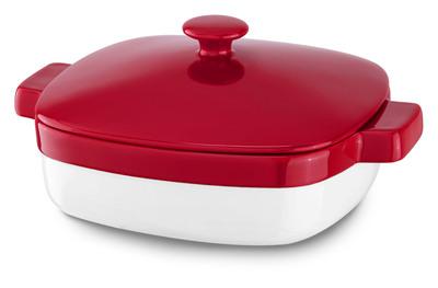 KitchenAid Streamline Ceramic Casserole Empire Red.  (PRNewsFoto/KitchenAid)