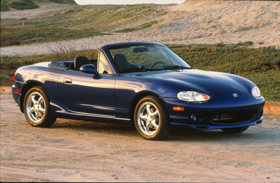 Second-generation Mazda MX-5 Miata.  (PRNewsFoto/Mazda North American Operations)
