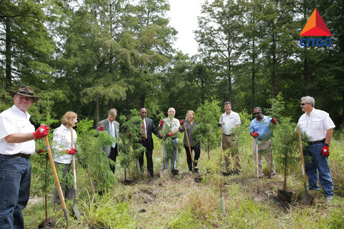 CITGO Petroleum Corporation, the Coalition to Restore Coastal Louisiana and Audubon Nature Institute conducted an all-day wetland restoration project at the Audubon Louisiana Nature Center. (PRNewsFoto/CITGO Petroleum Corporation)
