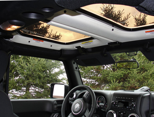 Jeep Wrangler Panoramic Roof >> New Jeetops Sunroof Receives Strong Reviews