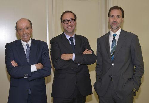 From left: Joan Esteve, President of ESTEVE, Chris Cardon, Founder and Chairman of ECUPHAR and Albert Esteve ...