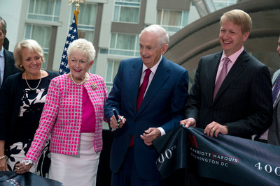 MARRIOTT CELEBRATES THE GRAND OPENING OF ITS 4,000th HOTEL -- THE MARRIOTT MARQUIS WASHINGTON, DC. (PRNewsFoto/Marriott International)